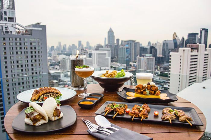 ร้าน-Vertigo-and-Moon-Bar-Bangkok